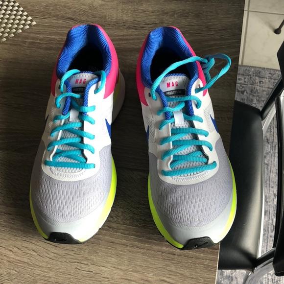 4c6f857087b1 Nike Women Pegasus 30 size 8